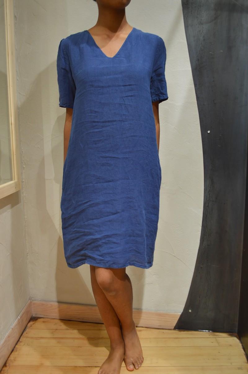 8e81b118d54 Robe en lin marine manches courtes col v pour femme de la marque ...