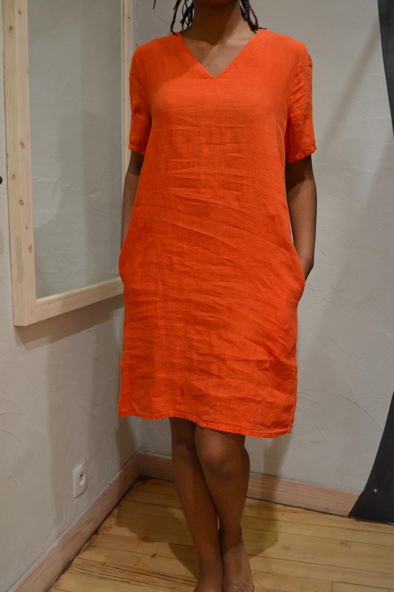 3025a1d9630 Robe en lin rouge manches courtes col v pour femme de la marque hartford