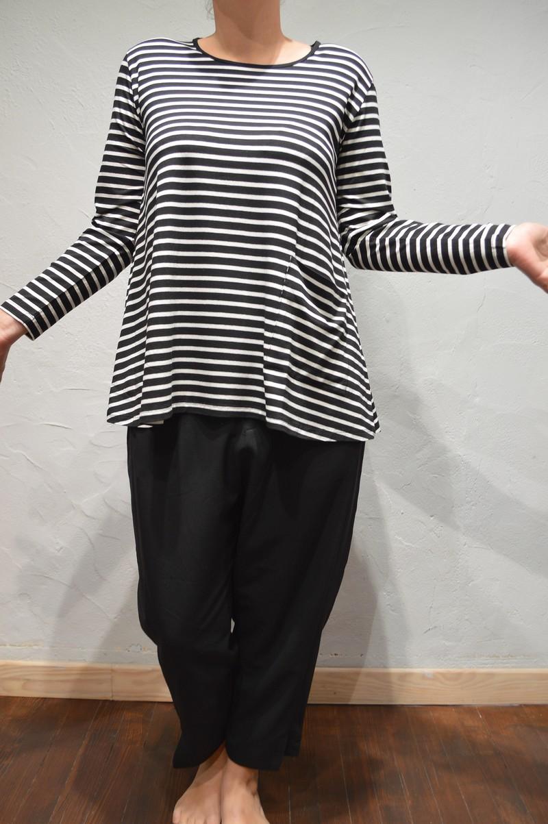 tee shirt manches longues ample noir et blanc a rayures pour femme de la marque masai. Black Bedroom Furniture Sets. Home Design Ideas